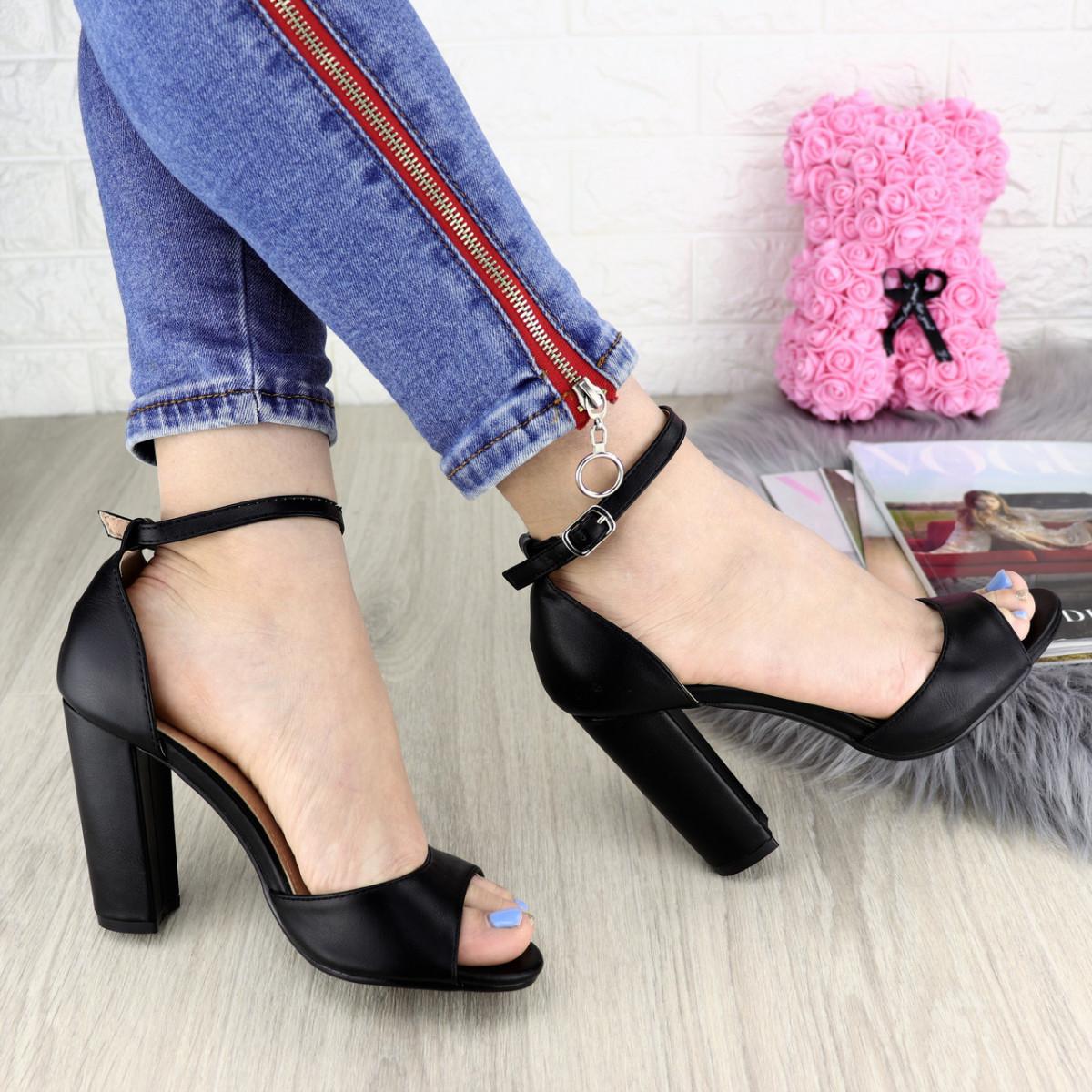 Женские стильные черные босоножки Lana 1194