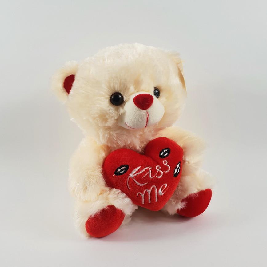 Медведь плюшевый с сердцем kiss me 22 см