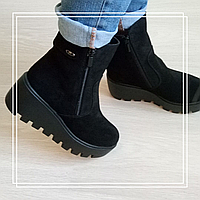 Женские зимние ботинки танкетка замша, фото 1
