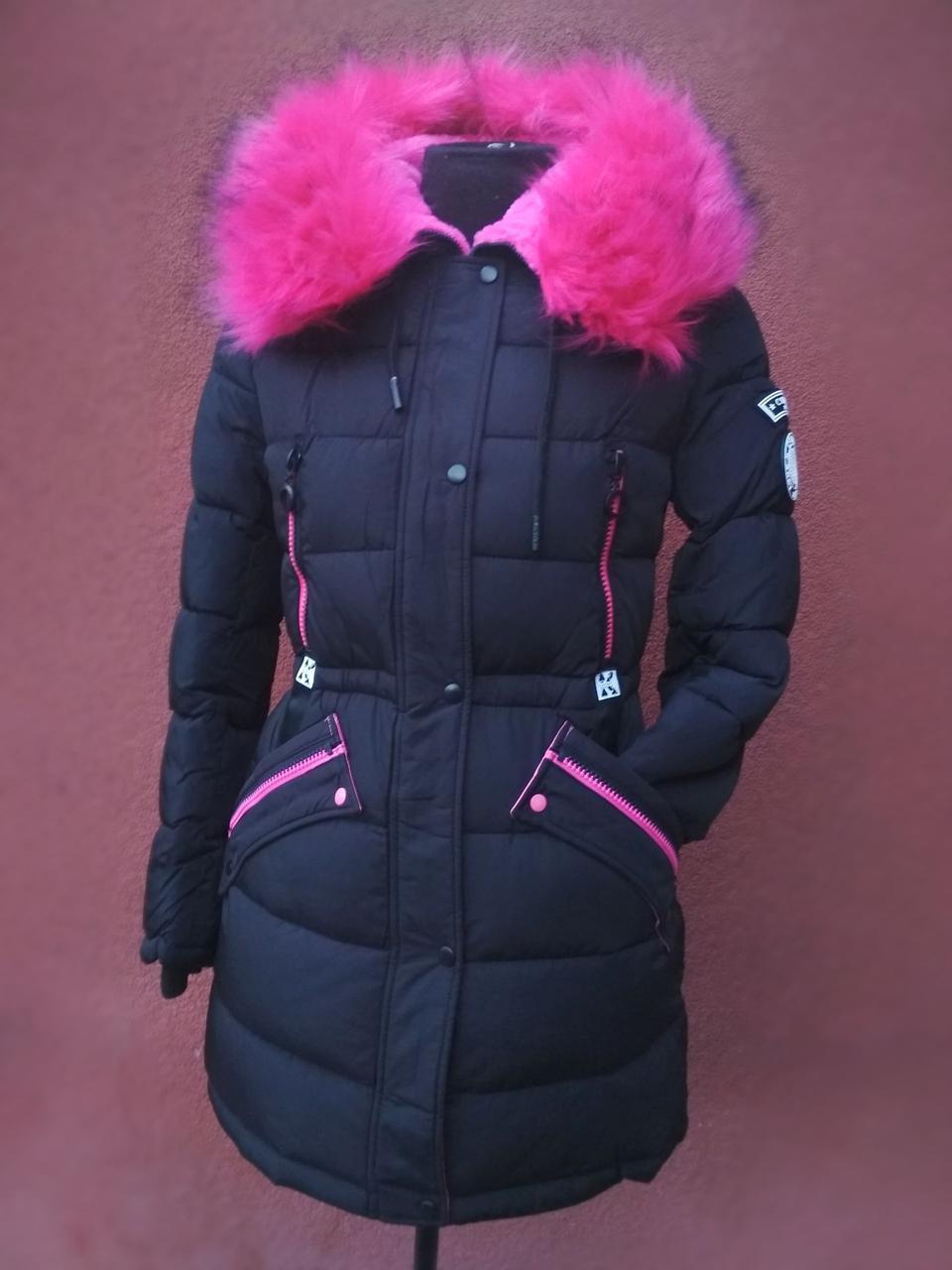 Яскравий молодіжний пуховик - парка Covily 17-06, чорний з рожевим хутром
