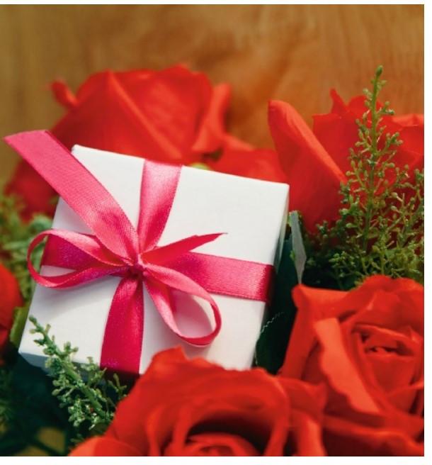 Подарочный бумажный пакет КВАДРАТ 24*24*10 см Презент