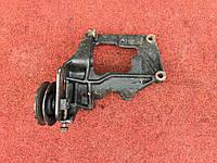 Кронштейн компрессора кондиционера Mitsubishi Pajero Wagon III 3.2 DID