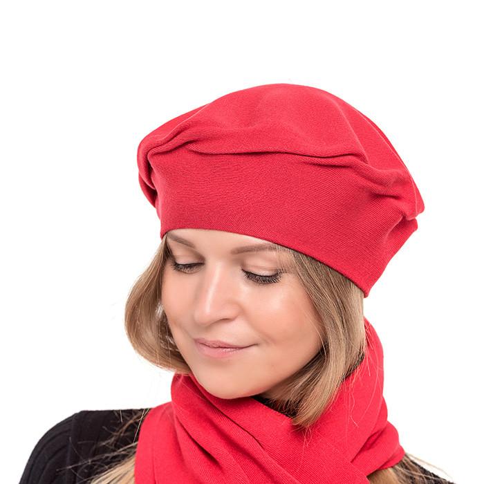 Красный осенне-зимний женский берет  двухслойной вязки