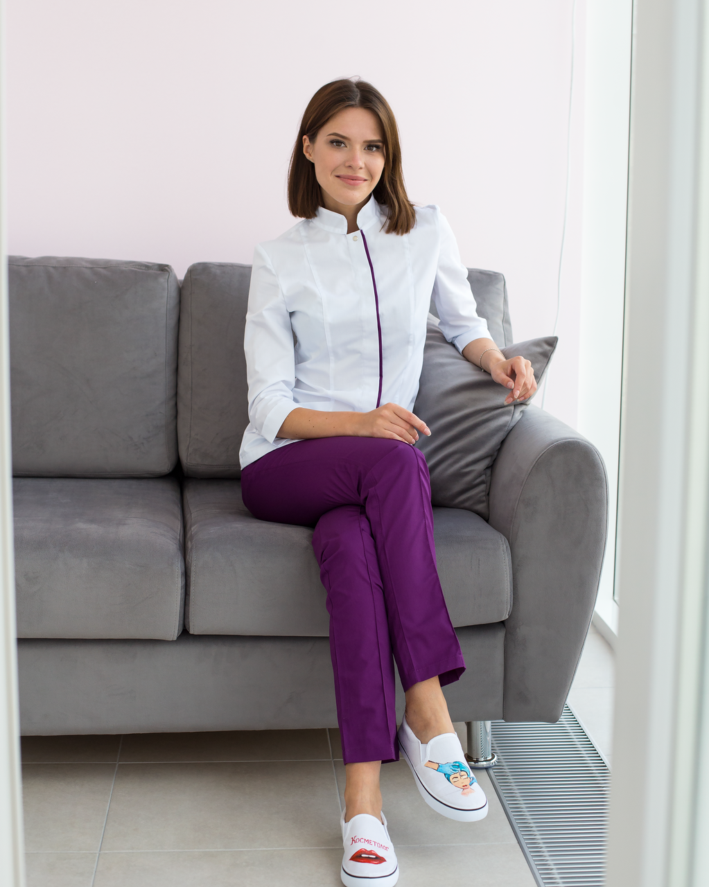 Медицинский женский костюм Сакура белый-фиолетовый