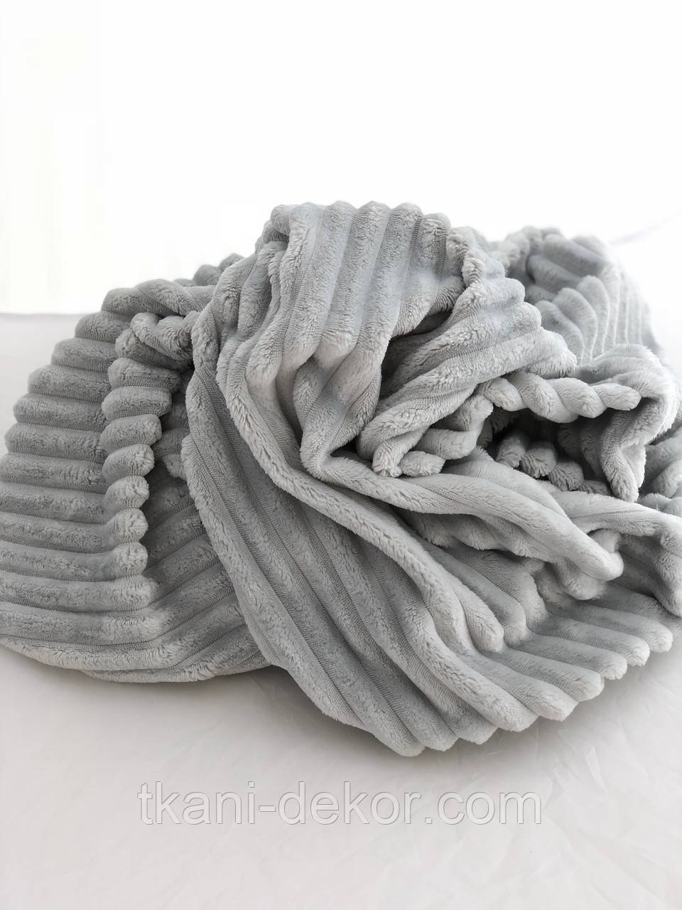 Плюшевая ткань Minky Stripes светло-серого цвета (шарпей)