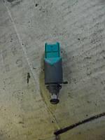 Датчик стопов (лягушка) Renault Trafic 01-07 (Рено Трафик), 8200168240