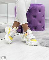 Женские яркие удобные кроссовки