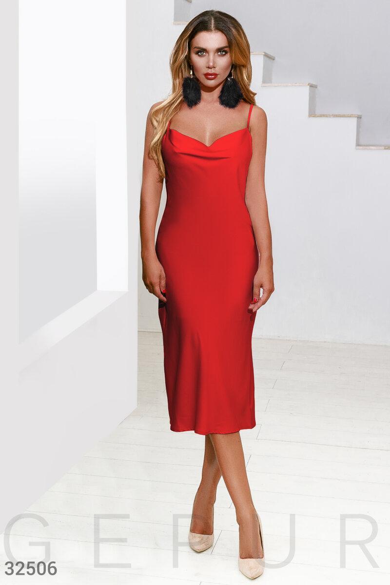 Шовкове приталене плаття на тонких бретелях червоне