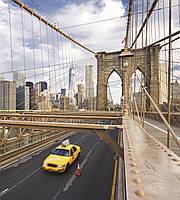 Фотообои флизелиновые 3D город Нью-Йорк 225х250 см Такси на мосту  (MS-3-0004)