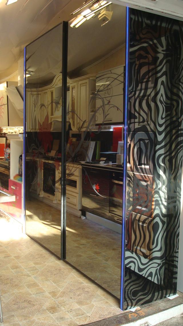 Шкаф купе с напылением графитовой пыли