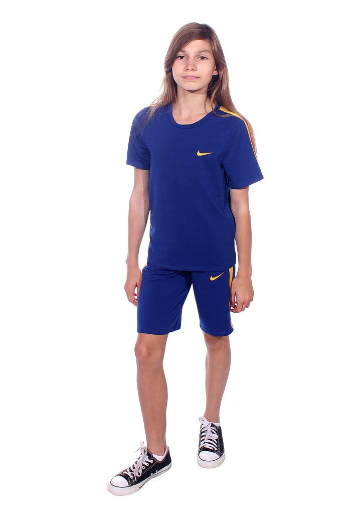 спортивный костюм на заказ с шортами и футболкой