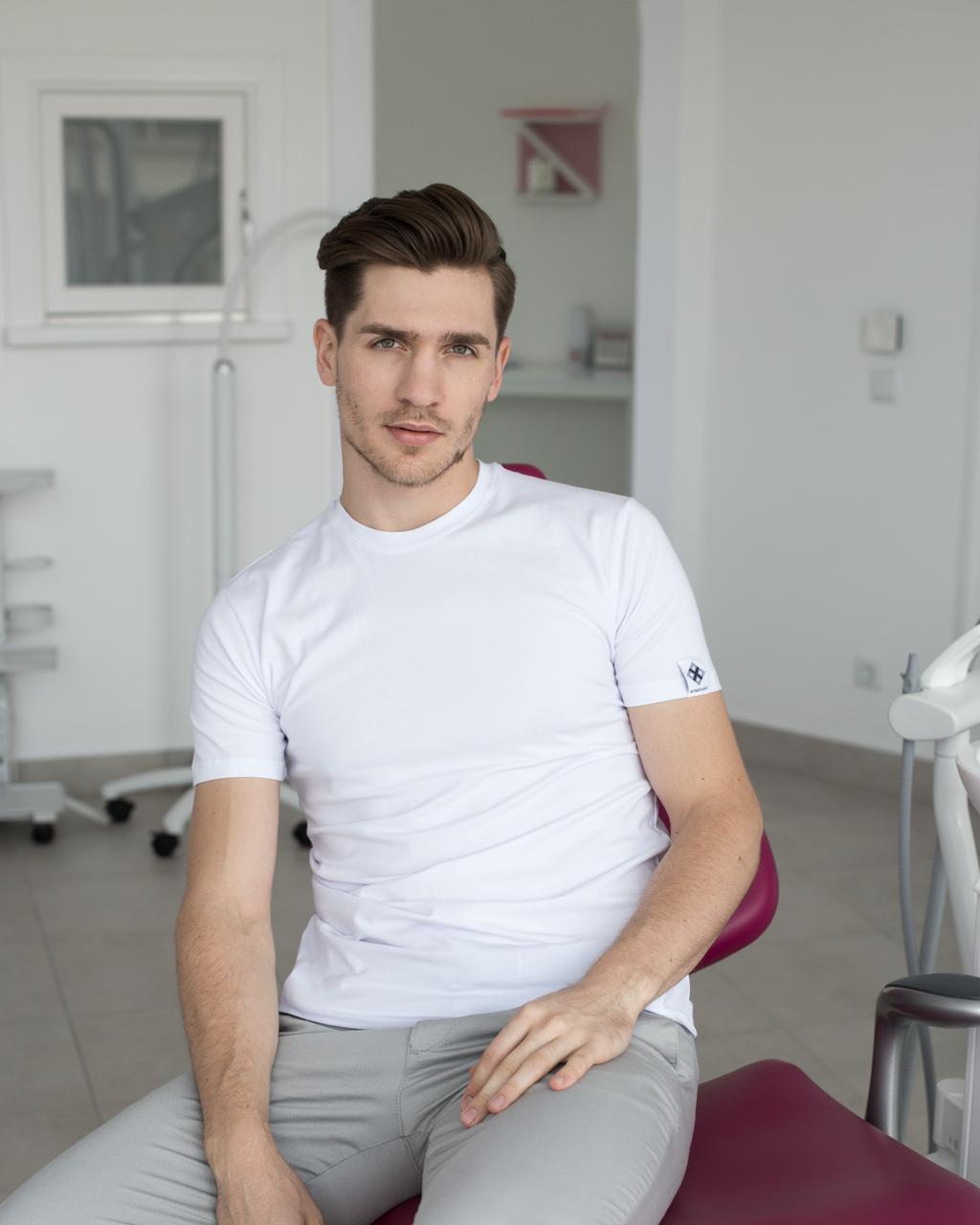 Мужская медицинская футболка, белая