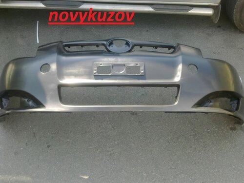Бампер передний на Toyota Auris