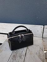 Кожаная женская сумка размером 25x14x14 см Черная