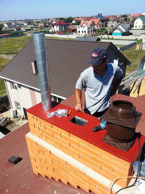 Монтаж вентиляционных дефлекторов для естественной и механической вентиляции.