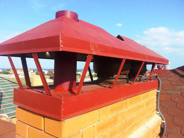 Монтаж вентиляционных дефлекторов для вентиляции дома на существующий кирпичный дымоход (вентиляционную шахту).