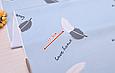 Сатин (хлопковая ткань) перышки бело-серые с надписями на голубом, фото 3