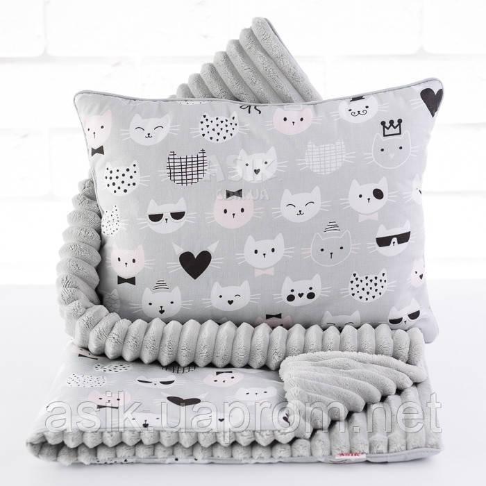 Плед и подушка с усатыми котами серого цвета