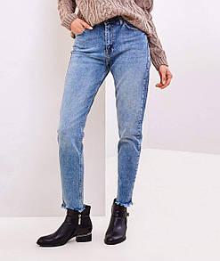 Классические женские джинсы фасона МОМ