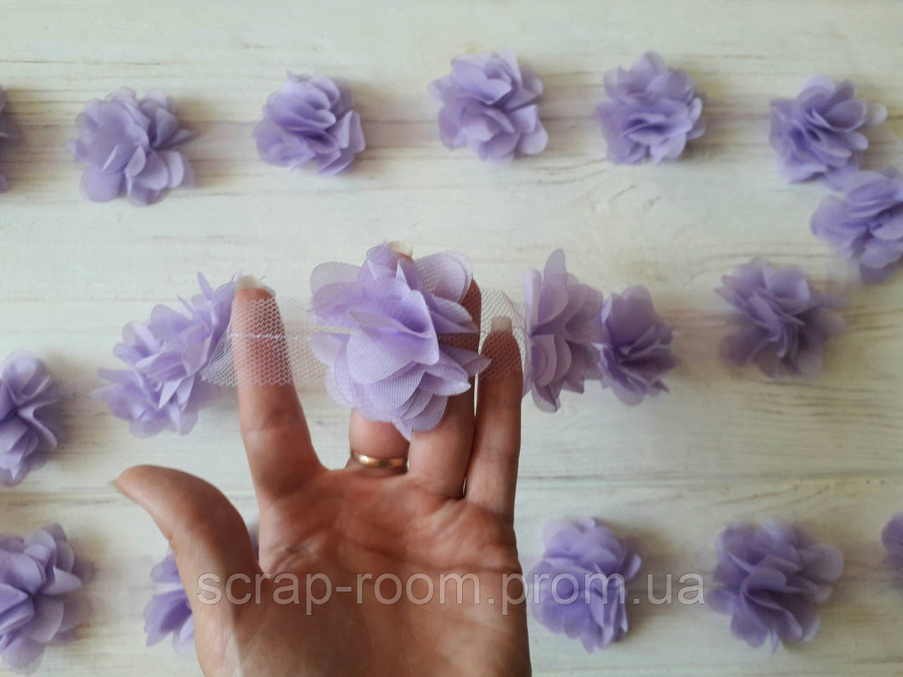 Цветы шифон на ленте фиолетовый, цветок шифоновый сирень 5 см диаметр, шифон цветы, цена указана за  5 шт