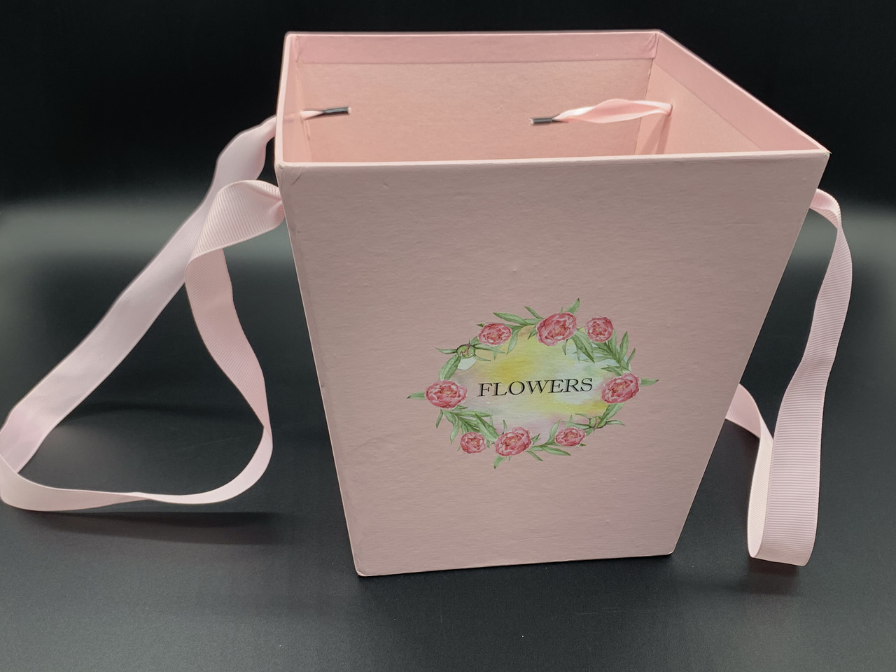 Коробки для цветов с ручкой. Цвет розовый. 18х17см