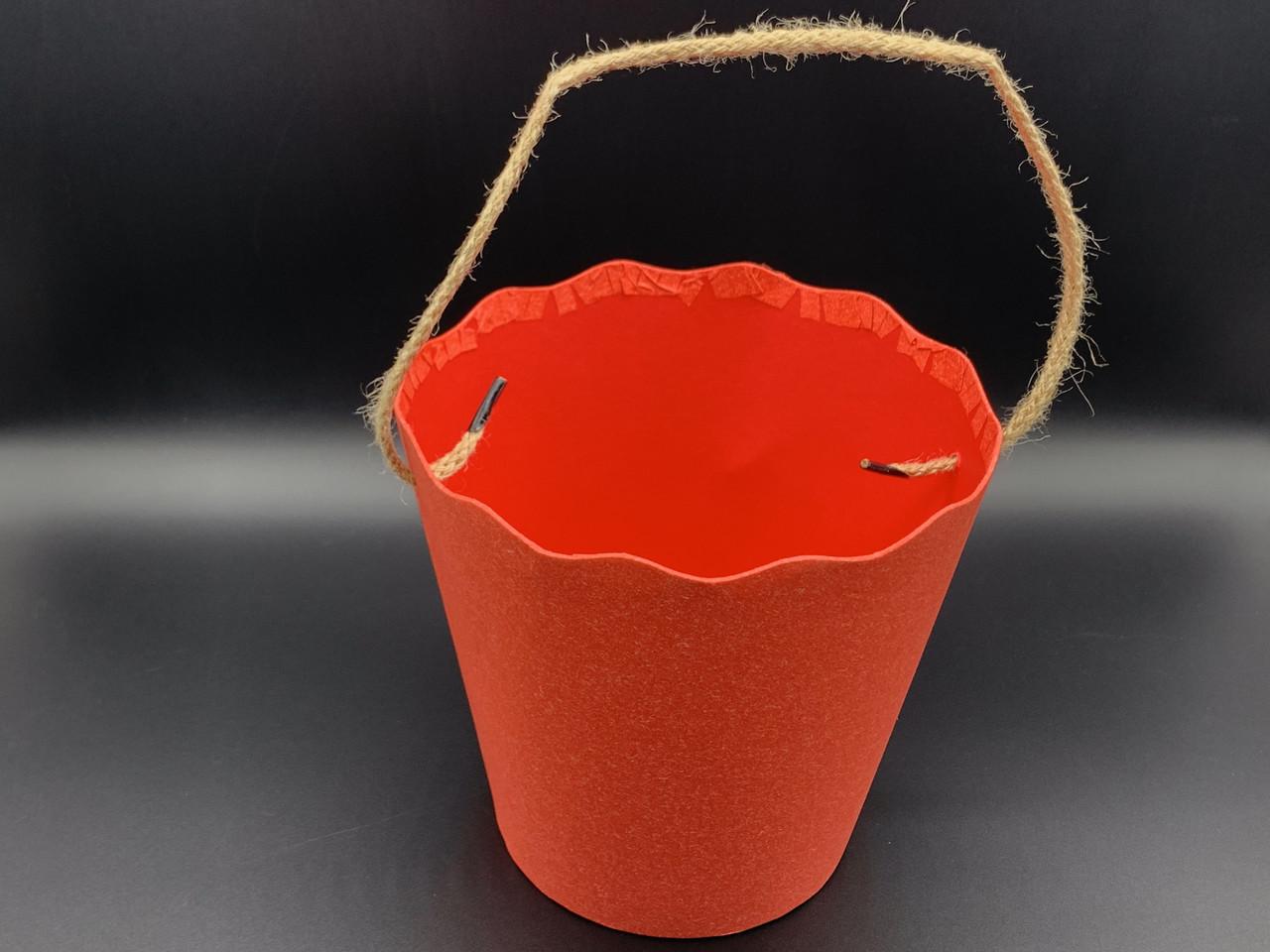 Коробки для цветов с ручкой. Цвет красный. 17х18см