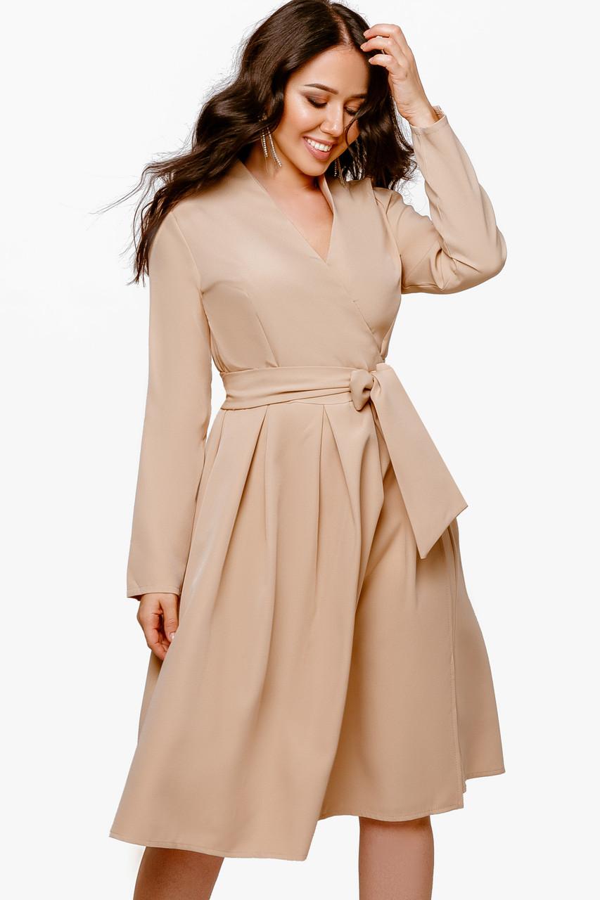 Женское платье на запах Бежевый