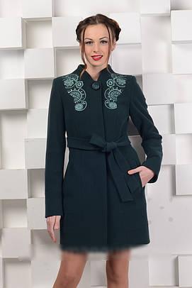Пальто классика с вышивкой