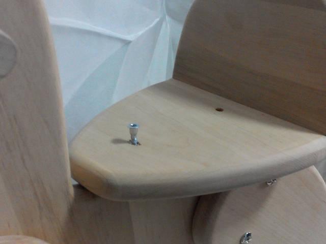 7 - закрепить сиденье с помощью конфирматов и шестигранного ключа