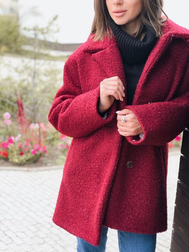 Женское зимнее теплое короткое пальто,бордового цвета