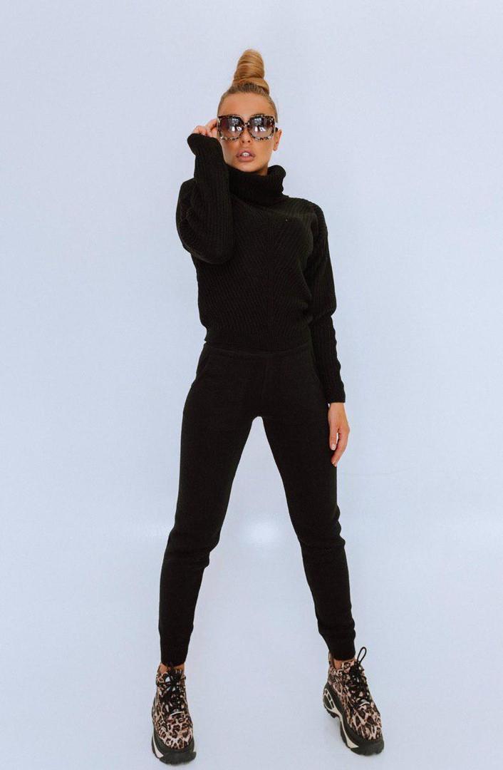 Черный женский вязаный костюм