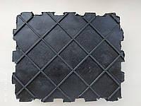 Накладка резиновая для автомобильных ножничных подъемников и траверс