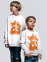 Яркая теплая кофта для мальчика белого цвета «Fox Kids»