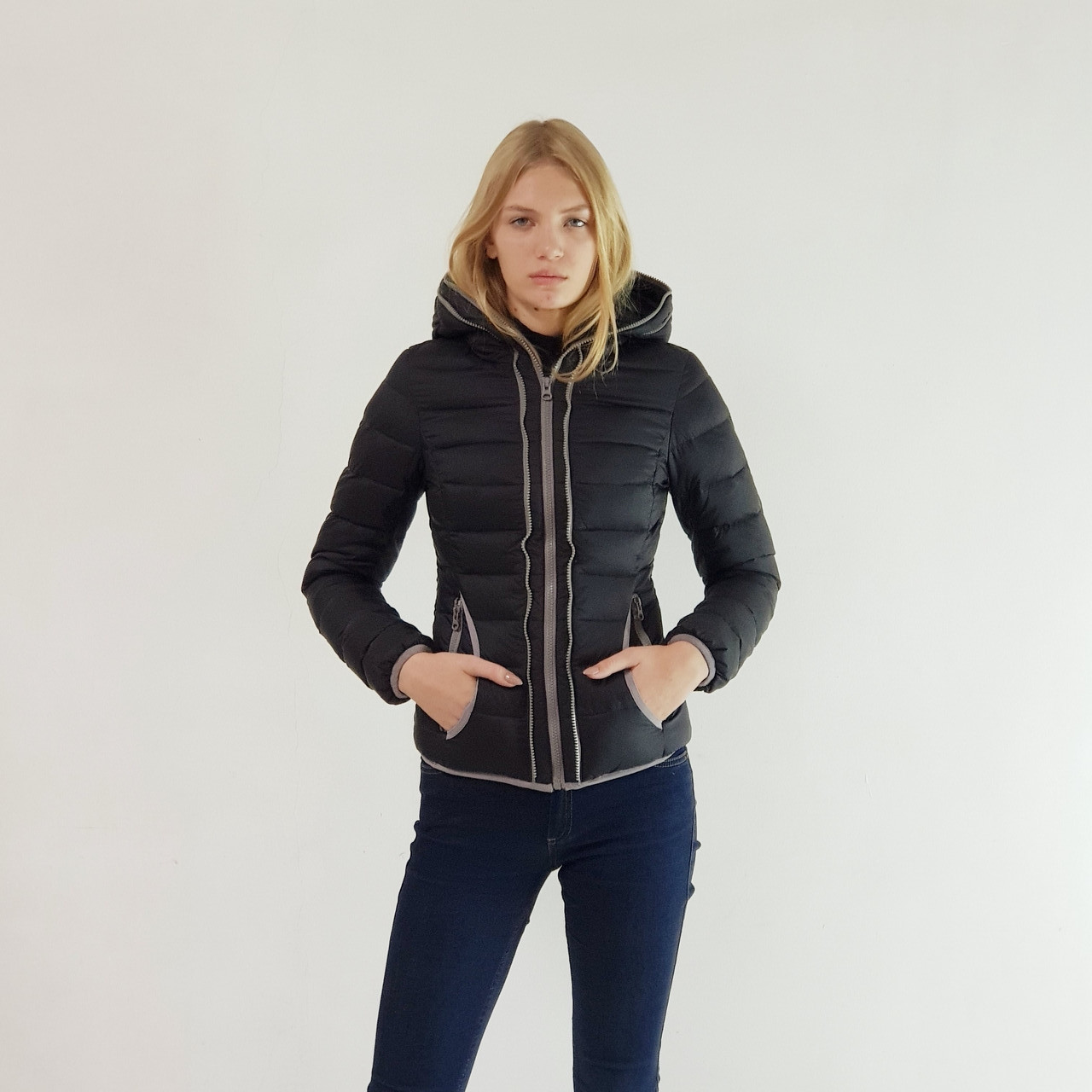 Куртка пуховик короткий женский Snowimage с капюшоном 40 черный 107-91
