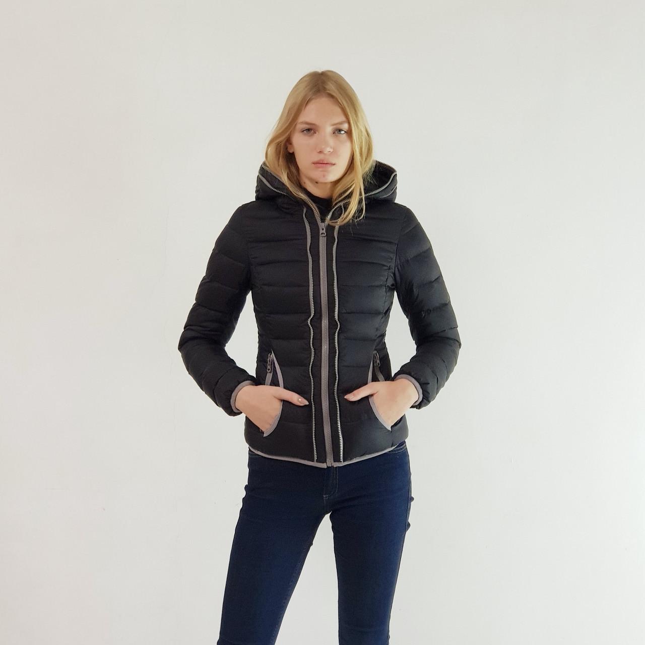 Куртка пуховик короткий женский Snowimage с капюшоном 46 черный 107-91