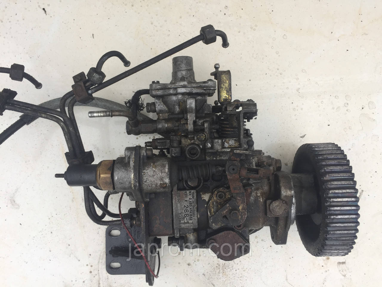 ТНВД Топливный насос высокого давления Ford Transit BOSCH 2,5 0460414052
