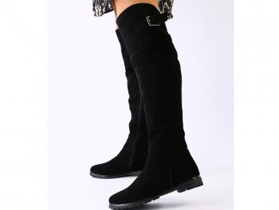 Демисезонные замшевые сапоги-ботфорты черные
