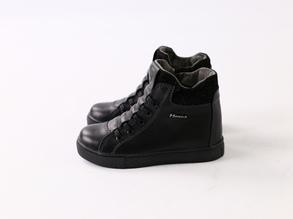 Демисезонные черные кожаные ботиночки