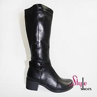 Женские зимние сапоги из натуральной кожи черного цвета на невысоком каблуке