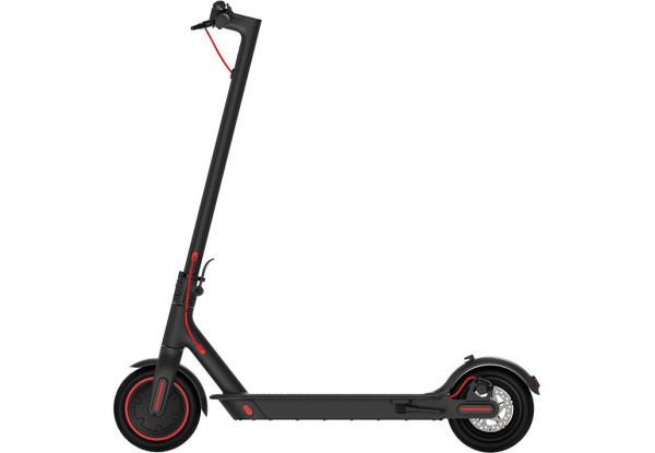 Электрический самокат Xiaomi Mi Electric Scooter Pro Black DDHBC02NEB 8.5'' 300 Вт