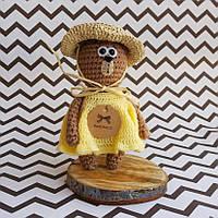 Вязаная игрушка Мишка Мамзель Мишель в шляпке.