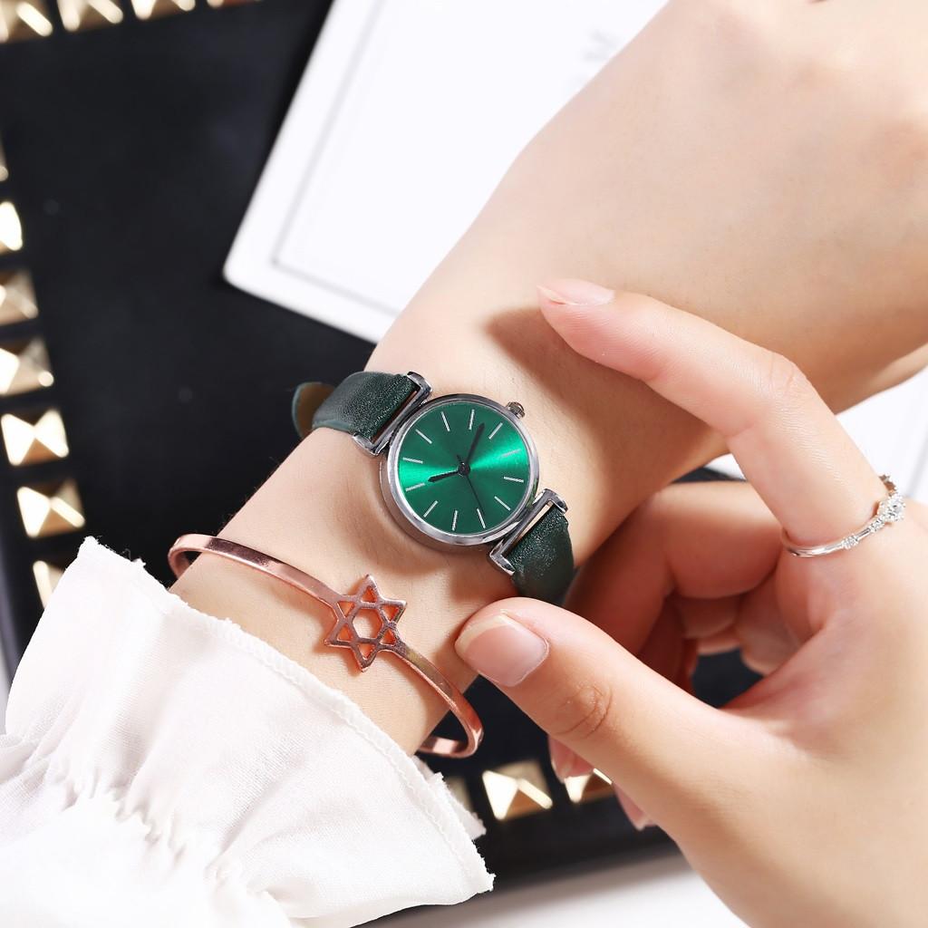 Женские наручные часы (зеленый)