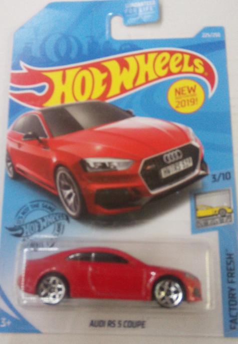 Машинка Hot Wheels 2019 Audi RS 5 Coupé