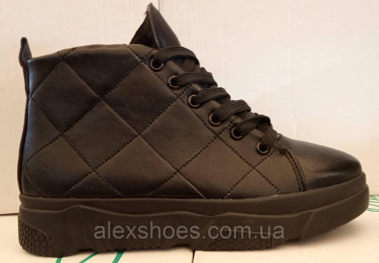 Ботинки женские зимние из натуральной кожи на толстой подошве от производителя модель ЛИН083