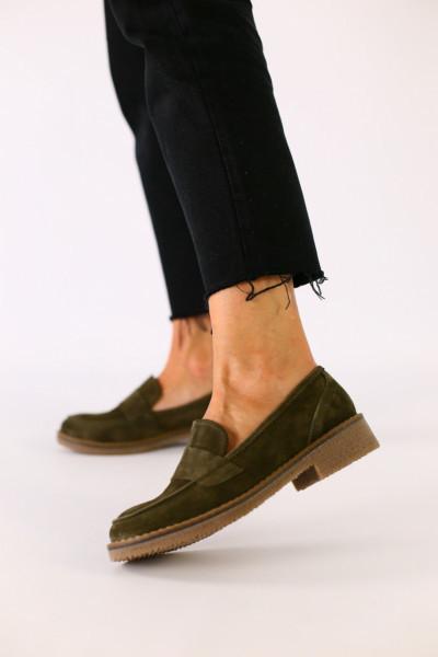 Женские замшевые туфли цвета хаки