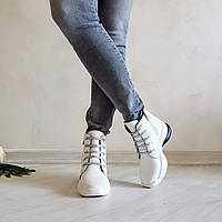 Женские демисезонные ботинки со шнуровкой
