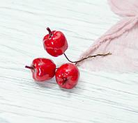 Яблоки красные фигурные 3шт