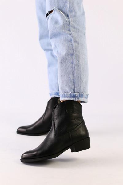 Женские черные демисезонные ботинки кожа флотар