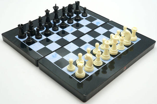 Магнитные Шахматы / Шашки / Нарды - Набор 3в1, пластик, доска 32х32 см., фото 2