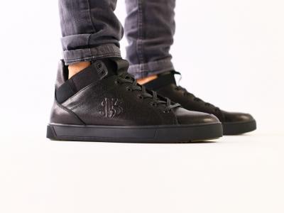 Мужские черные кожаные кроссовки на байке